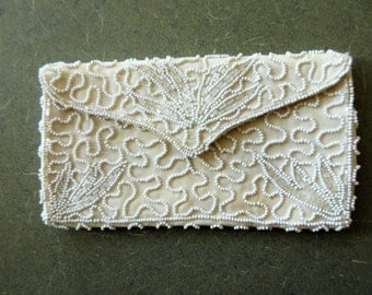 Vintage Purse, Beaded Purse, Vintage Walborg Beaded Bag, Beaded Clutch, Off White Beaded Clutch, Envelope Clutch, Made in Belgium, Hand Made