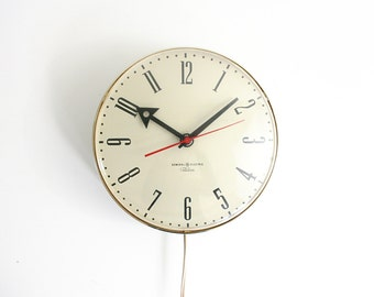 Vintage General Electric Telechron Wall Clock / Vintage Chrome Schoolhouse Electric Clock