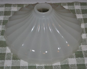 "Antique Sheffield Hanging Lampshade Clambroth Glass 2 1/4"" Fitter"
