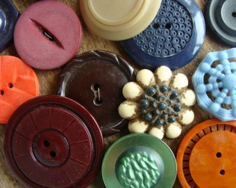 16 Antique and Vintage Large Buttons Mixed Vintage Buttons Lot 405