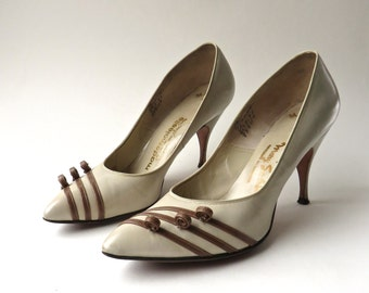 Mid Century vintage Mademoiselle Cream Leather  Stilettos with Brown Leather Curled Trim