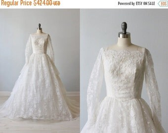 SALE 1950s Wedding Dress / 50s Lace and Tulle Wedding Dress / Long Sleeves / Timeless Beauty