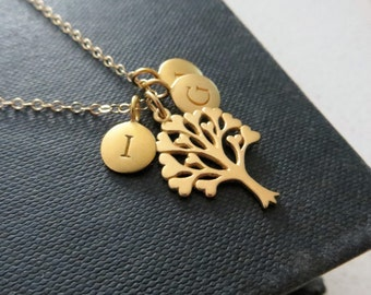 Gift for mom, tree of love necklace, family initial necklace, heart, personalized grandmother gift, mother jewelry, family keepsake