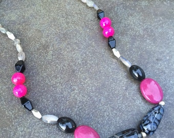Fuchsia Speckled Rose Short Bold Necklace Silver Hot Pink Black Beads