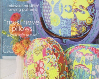 FREE SHIPPING must have pillows pattern by amy butler