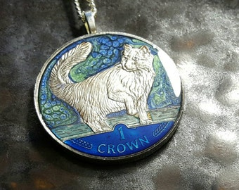 Isle of Man - Norwegian Forest Cat Coin Pendant - 1991 - hand painted