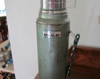 Aladdin STANLEY Thermos   1-Qt. size   Vintage 1960s
