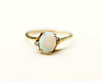 10K Oval Opal and Diamond Ring - Size 6.5