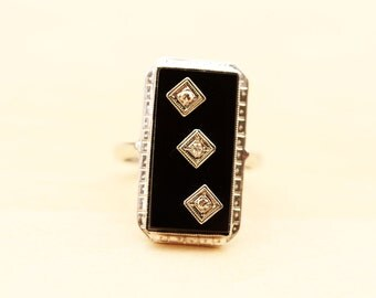14K White Gold Deco Onyx and Diamond Ring - Size 6