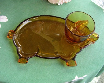 Indiana Glass Tiara amber pig snack set with cup