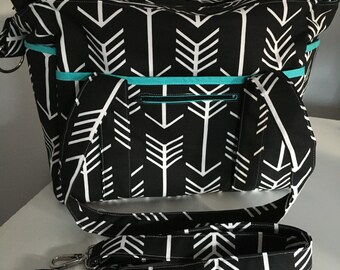 NEW Black an White Arrow Nappy Bag USE code mishmash16 to get 15% off