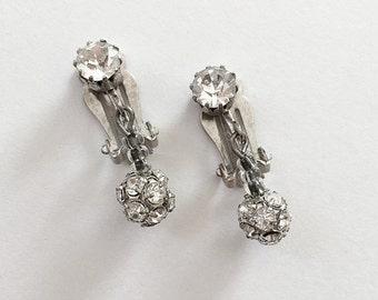 ON SALE Vintage Rhinestone Dangle Earrings Clip On
