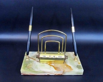 Vintage Mid Century Onyx Perpetual Desk Calendar Caddy with Mail and Dual Pen Holders. Circa 1950's.