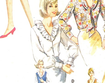 1960s Butterick 3226 Misses Jumper and Blouse Wardrobe: Semi-fitted jumper with deep V-neckline, Ruffles Vintage Sewing Pattern Bust 32