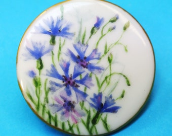 Lovely old antique 1912s round handpainted blue cornflower motive porcelain brooch, marked G.B. m. 1912