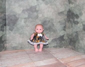 5LC1-18) 5 inch Lil Cutesies Berenguer baby doll clothes, 1 pretty dress with panties