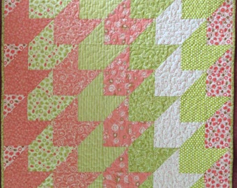 Straight As An Arrow Baby Quilt, Reversible Pink Green