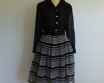 60s full skirt day dress STRIPED size medium