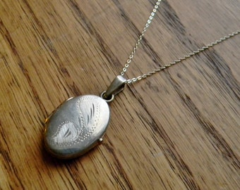 Large Vintage Sterling Silver Engraved Oval Locket Necklace