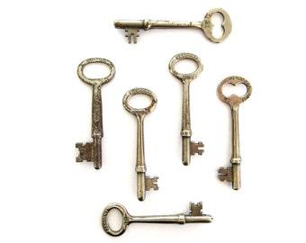 6 Vintage skeleton keys Vintage keys Six antique keys Antique skelton keys Antique skeleton keys Key collection Old antique key bit 3