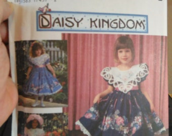 simplicity daisy kingdom pattern 9976 size aa (3,4,5,6)