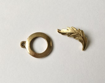 Antique Gold Plated Brass Leaf Toggle Bar with Round Loop, Toggle Clasp Set, Two Piece Toggle Clasp