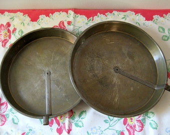 Vintage cake pans with cake release lever