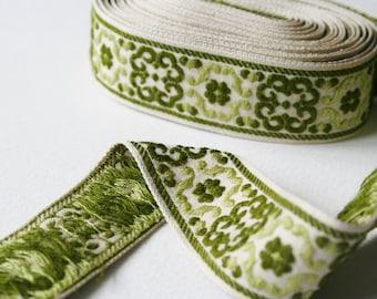 Vintage Trim Green and Cream Mandala Design 5 Meters