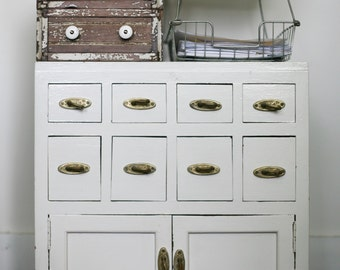 vintage cabinet (pick up only)