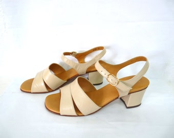Vintage Shoes Leather Pump Heels Sandals Light Beige The BROADWAY made in Italy Women Size 8B