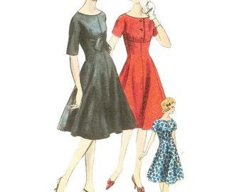 1960s Princess Silhouette Dress with Full Skirt Pattern Vogue 5418 B34 Sz 14