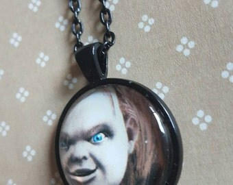 25mm round pendant necklace - chucky (horror)