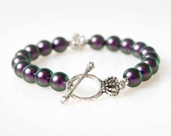 Purple Pearl Bracelet. Minimalistic Bracelet. Classic Design Bracelet. Artisan Bracelet in Purple.