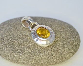 Vintage Sterling Yellow Glass Pendant . Italy . Oval Pendant . Unique