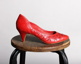 Vintage Ruby Red Woven Leather Pumps- Retro Pump Stiletto Dress Up Shoe Heel Tall Pointed Toe - Size 7