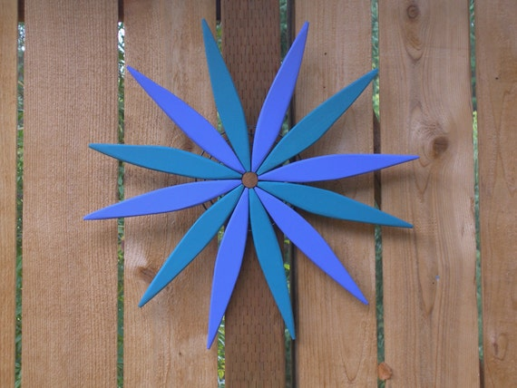 "Blue and Teal 17"" Starburst Hanging Garden Art Wreath for Outdoor and Indoor Color - Outdoor Wall Art Handcrafted by Laughing Creek"