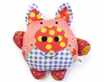 Pinky the Pig Sewing Kit, A Stuffed Toy, By Jenifer Jangles,  # KT-5340-FREE POSTAGE