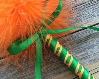 St Patty's Day Feather Pen - Guest Book Pen - Refillable Ink - Luck of the Irish St Paddy's Day St Patrick's Day Weddings Office School