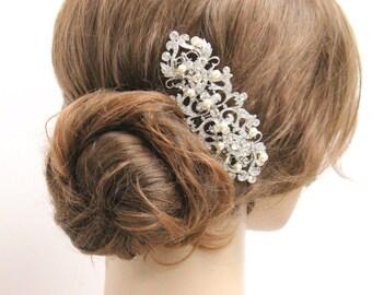 Vintage Inspired Pearls wedding hair comb,wedding hair accessory,pearl bridal comb,wedding hair piece,bridal hair comb,crystal wedding comb