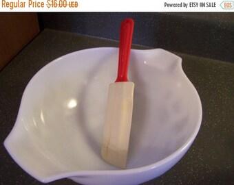 Valentines SALE Vintage Rubber Spatula Prettyware, Red Handle, Bowl Spatula
