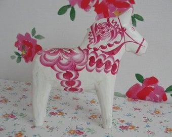 White and Pink Swedish Nils Olsson Dala Dalarna Horse 5 1/8 Inch - 13 cm