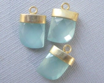 1, 5 pcs, Aqua Sea Foam Chalcedony Gold Horn Pendant, Small Horn Pendant, Gold Electroplated Horn Pendant, CP-0017