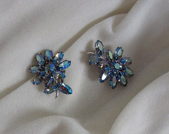 1950s SHERMAN rhinestone earrings • vintage 50s earrings • blue clip ons