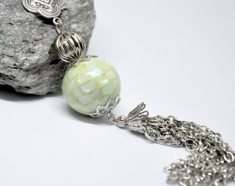 Antique Silver Chain Tassel Necklace, Dyed Green Shell Necklace, Inlaid Mother of Pearl Bead, Long Green Tassel Necklace, Bohemian Jewelry