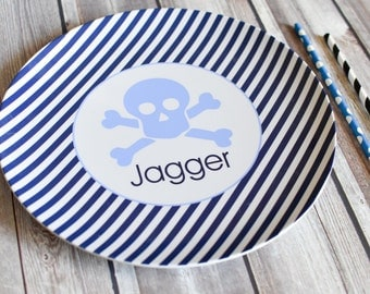 Personalized Melamine Plate / Personalized Skull and Crossbones Plate / Personalized Plates for kids / Kids Personalized Plate Skull Design