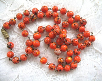 Vintage Speckled Coral Glass Bead Necklace
