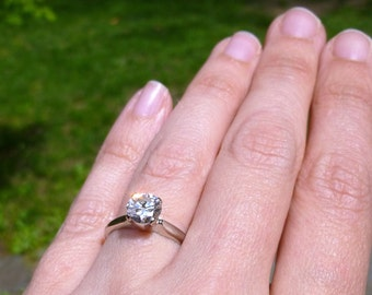 Vintage14KT White Gold Prong Set Solitaire Design 1.00 Carat Diamond Ring FREE SHIPPING