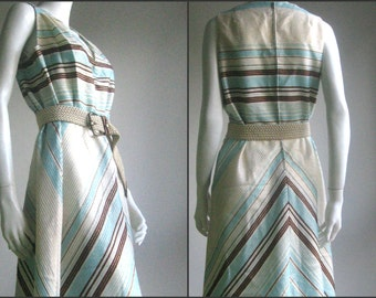 SALE SALE 70s vintage chevron party dress
