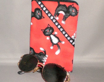 Eyeglass or Sunglasses Case - Padded Zippered Pouch - Cats - Black and White