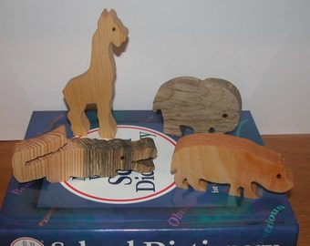 Toy Animals - 4 Wooden Animals -  Child's Decor and  Imagination - Kids Toys